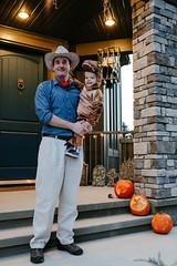 Jurassic Park (_Codename_) Tags: henry halloween 2018 pumpkin orange dinosaur trex tyrannosaurusrex jurassicpark costume cosplay toddler baby alangrant ryan jackolantern jackolanterns pumpkins