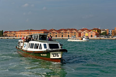 Venezia / Canale della Giudecca / S Basilio (Pantchoa) Tags: venise italie canal giudecca vaporetto bateau usines basilio eau ciel 276 actv ve9027 tourisme promenade traversée portofvenice transport