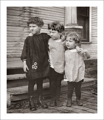 Fashion 0512-27 - Moe, Curly and Larry (Steve Given) Tags: familyhistory socialhistory fashion kids children group stooges