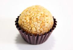 IMG_9334 (feitopormim.com.br) Tags: brigadeiro gourmet caixa com trufas bombons lembrancinha padrinho pão de mel pirulitos docinhos