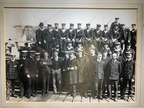 OFFICERS AND CREW OF DISCOVERY