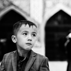 Uzbekistan (ale neri) Tags: street bw portrait child samarkand uzbekistan aleneri streetphotography blackandwhite alessandroneri batis1885