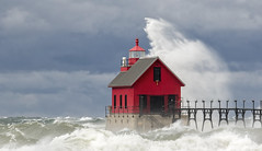 Grand Haven Waves.... (Kevin Povenz) Tags: 2019 october kevinpovenz westmichigan michigan ottawa ottawacounty grandhaven grandhavenpier grandhavenstatepark red lighthouse pier lakemichigan water waves blue canon7dmarkii sigma150600 lake windy stormy storm weather