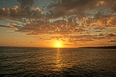 Sunset (Carlos A. Aviles) Tags: sunset ocaso orange naranja sol sun cielo sky nubes clouds ponce puertorico