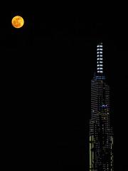 Delicate distance (S. Ken) Tags: 24200mm rx100 rx100m7 zeiss sony ソニー デジカメ 索尼 vietnam hochiminhcity hcmc saigon ベトナム サイゴン ホーチミン 胡志明市 越南 moon full orange building sky night happyplanet asiafavorites