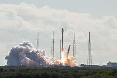 SpaceX Launch with Starlink Satellites 11/11/2019 (stargazerpearce) Tags: spacex elonmusk block5 ccafs rocket nasa kennedyspacecenter ksc 45thspacewing cape canaveral falcon elon kennedy space capecanaveralairforcestation capecanaveral exploreksc