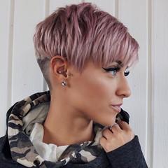 10 Tendance Très Courts Coupes de cheveux pour les Femmes (votrecoiffure) Tags: pixiecut pixiehaircuts shorthair shorthairstyles veryshorthairstyles