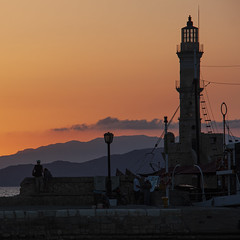 Coucher de soleil à La Canée (Lucille-bs) Tags: europe grèce crète lacanée chania 500x500 coucherdesoleil phare silhouette