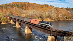 Z71011 Bremo Bluff Bridge RFP 101 (HeritageNY) Tags: newcanton virginia unitedstatesofamerica rfp 101 buckingham branch train bridge james river water fall foliage