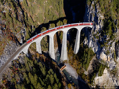 Alvra, IR 1152, Landwasser Viaduct, Filisur - Alvaneu (Switzerland) (Martin Válek) Tags: rail railway railroad train locomotive zug eisenbahn vlak železnice graubünden landwasserviadukt rhätischebahn rétskádráha rhétskádráha rhaetianrailway