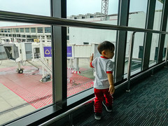 Little boy in the airport (Jrwanderer) Tags: child photos