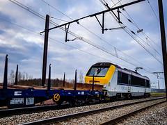LINΞΛS 1334 @ Ekeren (Avinash Chotkan) Tags: cargo trains ekeren belgium 1334 hle13 lineas
