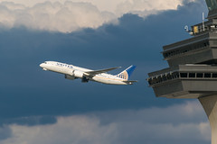 19-4646cr (George Hamlin) Tags: n26910 boeing 7878 virginia chantilly washington dulles international airport iad united airlines dramatic colorful clouds control tower sky stormy photodecor george hamlin photography
