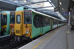 Southern 455830 (Will Swain) Tags: london liverpool street station 19th october 2019 bridge greater city centre capital south train trains rail railway railways transport travel uk britain vehicle vehicles england english europe transportation class southern 455830 455 830