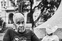 Frau (rainerneumann831) Tags: bw blackandwhite street strase streetphotography candid strasenfotografie monochrome urban ©rainerneumann riodejaneiro wwwrainerneumannphotographyde frau portrait