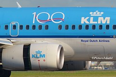 Celebration 100 Years KLM (PictureJohn64) Tags: klm aircraft airport aerodrome aviation detail celebration 100 airliner aeropuerto vliegveld vliegtuig schiphol spotter amsterdam nikon d5100 nederland flugzeug flughafen picturejohn64 plane planespotting airplane