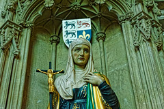 Cathedral Statue (Croydon Clicker) Tags: cathedral church pillars carving masonry salisbury wiltshire nikon nikkor statue saint