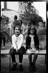 portraits minutes (jeanba3000) Tags: box minutera négatif papier paper negative argentique analog experiment expérimentation portrait de rue street ilford multigrade rc 10x15