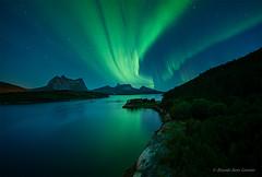 Explosion verde (Ricardo Sanz Lezcano) Tags: auroraboreal northernlights norway noruega sky reflejos stars landscape longexposure