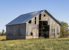 Barn (will139) Tags: barn rural ruraldecay scenic americana building countryscene rundown fields rurallife ruralindiana