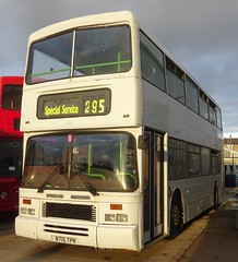 Dewsbury (Andrew Stopford) Tags: n715tpk dennis dominator eastlancs londoncountry arriva dewsburybusmuseum