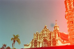 balboa park (neoncolorwaves) Tags: dubblefilm fujinaturaclassica fujinatura fuji sterofilm 35mm analog redtint bluetint film sandiego balboapark mission california