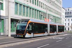 2019-10-27, Linz, Hessenplatz (Fototak) Tags: trolleybus filobus obus maxitrolleybus vanhool exquicity linz austria ligne43 226