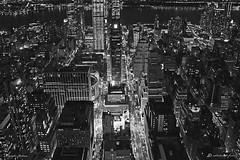 NEW YORK IL FASCINO DELLA NOTTE (Salvatore Lo Faro) Tags: new york america usa notte notturno città metropoli baia fiume luci salvatore lofaro nikon 7500