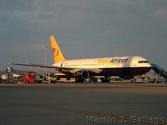 5Y-CCC Mary Rosemond (Martin J. Gallego. Siempre enredando) Tags: madrid plane airplane boeing mad planespotting lemd iberianspotters boeingfamily martinjgallego 767 boeing767 b767