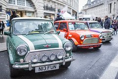 20191112_F0001: A Mini row (wfxue) Tags: car regentstreetmotorshow regentstreet london mini classic minicooper vintage wheels people street crowd