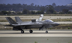 F-35B on the Runway (dcnelson1898) Tags: 2019mcasmiramarairshow marinecorpsairstationmiramar unitedstatesmarinecorps marines military flight airshow airplanes sandiego california lockheedmartinf35blightningii jointstrikefighter vmfa211 wakeislanddefenders fighter vstol