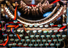 Can't Type You a Letter on a Broken Typewriter (Thomas Hawk) Tags: baja bajacalifornia cabo cabosanlucas loscabos mexico museodelacasadecultura museum todossantos typewriter fav10 fav25