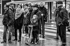 En Mémoire des Victimes.....13.Novembre 2015...Paris (andrealinss) Tags: schwarzweiss street streetphotography streetfotografie bw blackandwhite frankreich france paris parisstreet enmémoiredesvictimes andrealinss