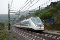 IC 674 sui monti con la pioggia. (Maurizio Boi) Tags: treno train zug rail railway railroad ferrovia eisenbahn locomotiva locomotive italy trenitalia iti e414 intercity