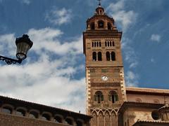 Teruel - Torre mudéjar de la Catedral. (EduOrtÍn.) Tags: farola torre mudéjar catedral teruel aragón