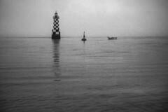 Horizon blanc 2- phare de la Perdrix, Loctudy (www.gilpivert.fr) Tags: bretagne loctudy phare perdrix finistère sud