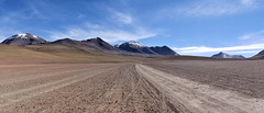 Our track in a somptuous landscape (Chemose) Tags: sony ilce7m2 alpha7ii mai may bolivie bolivia paysage landscape désert montagne mountain andes sudlipez southernlipez desert volcan volcano piste track lipez