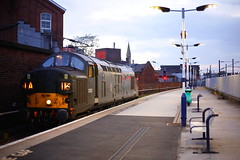 Viking On The Move.... (marcus.45111) Tags: 37057 class37 exbritishrail tractor syphon splitheadcode brgreen eastcoastmainline doncasterstation ukrailways2019