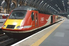 43257 London Kings Cross 27.10.19 (jonf45 - 5 million views -Thank you) Tags: lner 43257 london kings cross train br britishh rail class 43 hst