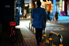 2301/1724 (june1777) Tags: snap street alley seoul night light bokeh sony a7ii carl zeiss jena t czj biotar 75mm f15 4000 clear hongdae