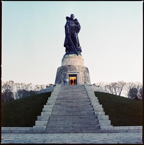 Sowjetisches Ehrenmal (November)