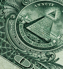 6M7A8354 (hallbæck) Tags: sectionofonedollarbill thegreatseal eyeofprovidence pyramide pyramid delafpengeseddel green grøn mdcclxxvi 1776 note macro mh hørsholm denmark canoneos5dmarkiii ef100mmf28lmacroisusm mycanonandme usa americandollar macrounlimited