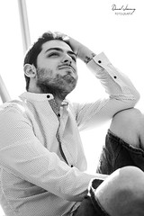 _MG_3510 - e bn t (Daniel Jiménez Fotógrafo) Tags: actor act acting actores modelo model man male malemodel beauty beautiful belleza body outdoors shooting book beard tatuaje tatto tattomodel armtatto danifotografia danieljimenezfotowixcomportfolio danieljg bn blackandwhite blancoynegro