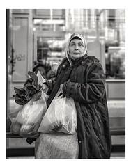 Au retour du marché (streetspirit13) Tags: streetportrait portraitderue candidportrait humanstreet streetphotographer bnwphotographer bnwstreetphoto blackandwhite women marseillestreet psp people
