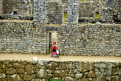 Perù, a little Peruvian girl between inca  walls (oriana.italy) Tags: perù sacredvalley steps peruvianlittlegirl andesmountains urubambarivervalley incasite archaeology drystonewalls cuscoregion urubambaprovince zweia machupicchu