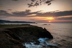 Costa tranquila (ccc.39) Tags: españa asturias gozón verdicio atardecer mar cantábrico costa acantilados sunset coast shore sea cliff