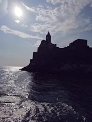 PORTOVENERE - Liguria (cannuccia) Tags: paesaggi landscape liguria controluce mare chiese sea cieli sole riflessi silouette portovenere