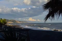 DSC_4435_5680. - Verso il tramonto. - Towards sunset. (angelo appoloni) Tags: liguria riviera di ponente nuvole mare vista sulla costa ultimi bagliori del giorno favoloso novembre ligurian region westcoast clouds sea view coast last day glows fabulous november