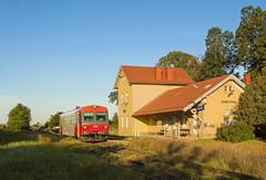 Rakúske lokálky VI. | 5047.019 | R 7213 | ÖBB | Auersthal (AT) (lofofor) Tags: motorák motor motorčok motorový vozeň öbb class 5047 diesel railcar federal railways jenbacher werke units at austria österreich rakúsko rakúsky rakúske lokálky lokálka gänserndorf vlaky vlak railroads rail železnica 912 stammersdorfer lokalbahn raggendorf gross schweinbarth auersthal bad pirawarth dolné lower vidiek rural obersdorf wien suburb 5047019 žst station budova building r 7213 strecke