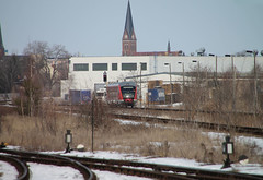Desiro ahead (Schwanzus_Longus) Tags: stassfurt stasfurt german germany modern railroad railway train commuter commuting dmu diesel multiple unit db deutsche bahn siemens desiro baureihe class br 642
